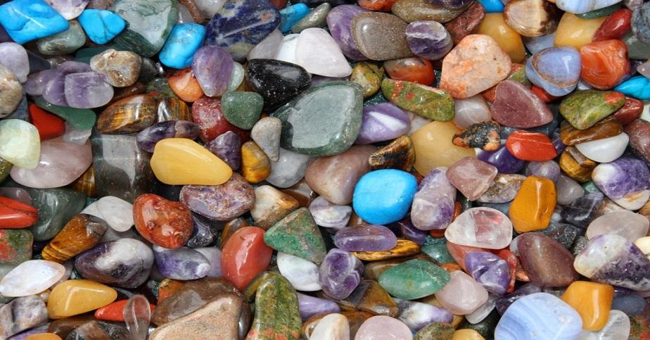 De cate feluri sunt cristalele?